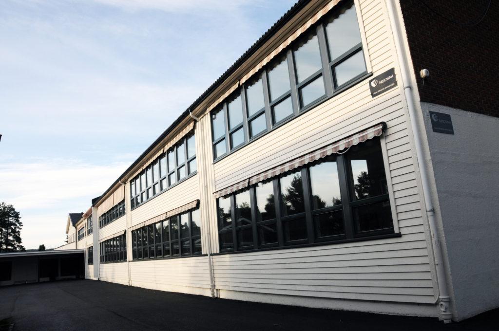 Fasade Valstrand skole