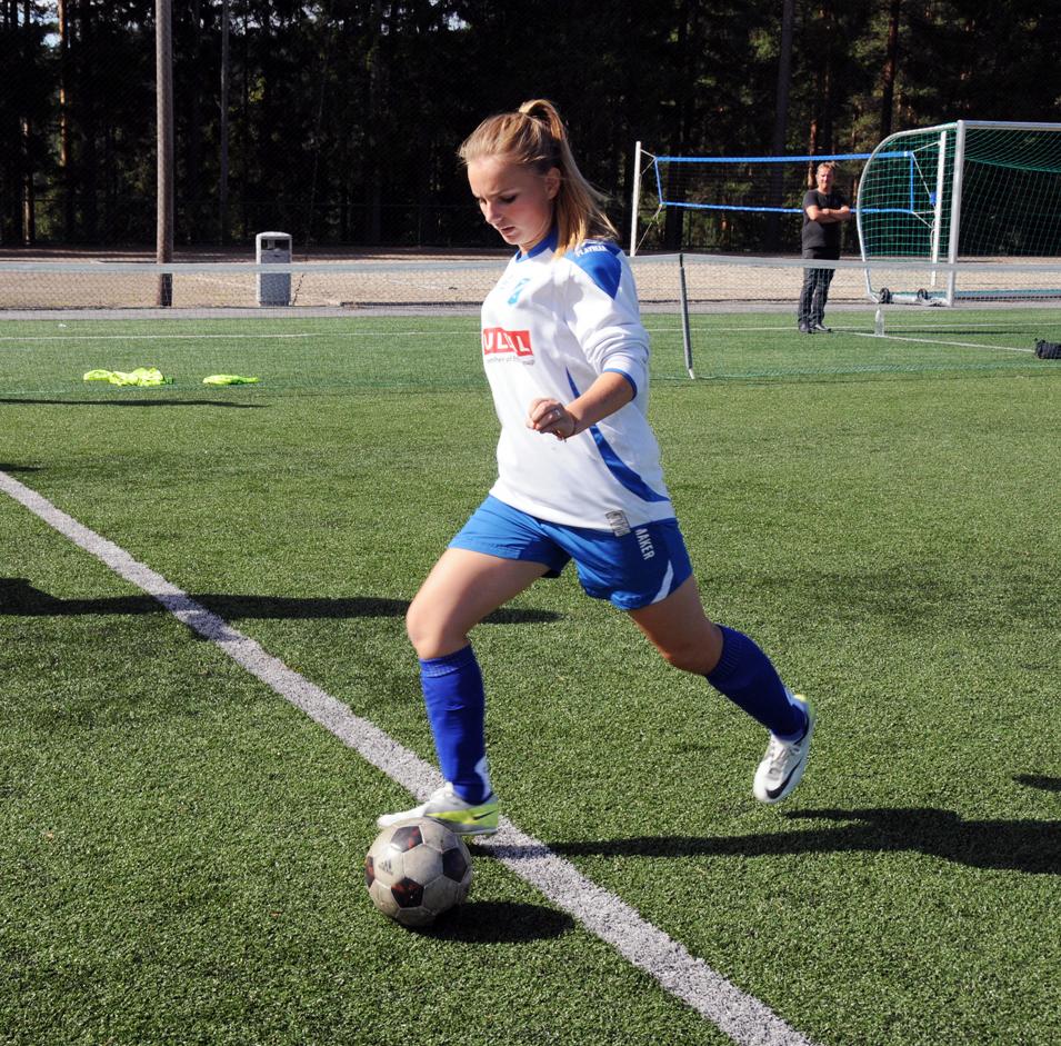 Diarta Bytyqi som er tatt ut til regionturnering i fotball.