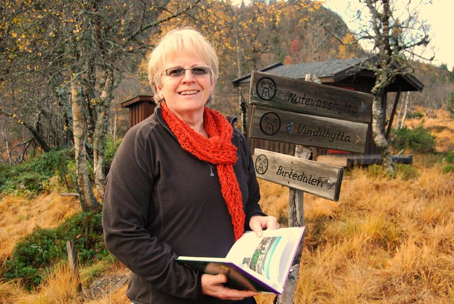 Bibliotekrådgiver Mari Senumstad Hauge ved Fylkesbiblioteket i Arendal tar turen til Birkeland tirsdag i neste uke. Hun vil presentere et utvalg bøker med tema «reise».