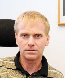 FORSTÅELIG: Skolesjef Geir Svenningsen forstår lærernes frustrasjon. Han peker på at alle tiltak må gjennom en kvalitetskontroll, og at det er rektor som til syvende og sist må vurdere om det er forsvarlig å slå sammen klasser.
