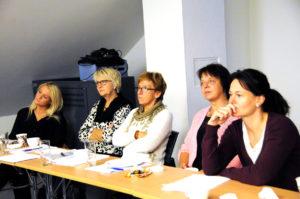 FOKUS PÅ DEMENS: Forrige tirsdag var ansatte fra en rekke kommuner samlet til fagsamling om demens i møterom Himmelsyna. Fra Birkenes deltok Marita Helen Wehus (f.v.), Torunn Imenes, Wenche Stoveland og Anne Karin Haugstulen Tveide.