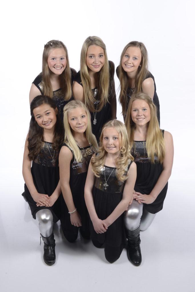SEVEN: Jentegruppa Seven har turnert over hele landet i mer enn ti år. Til helga kommer de til Birkeland for å holde konsert lørdag kveld og delta på gudstjenesten søndag formiddag.