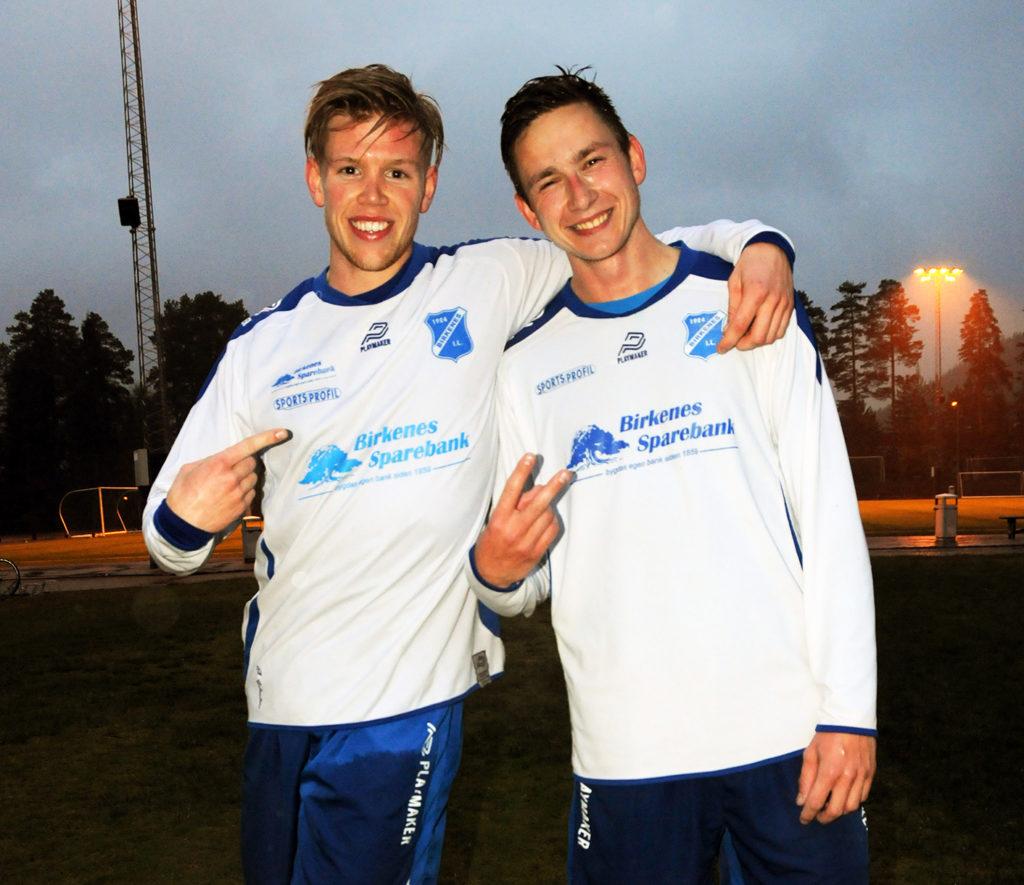 SENKET ØYESTAD: Ett mål av Kjetil Esperås (t.v.) og to av Steffen Mollestad senket Øyestad tirsdag kveld. Steffen var i tillegg Birkenes' beste spiller.