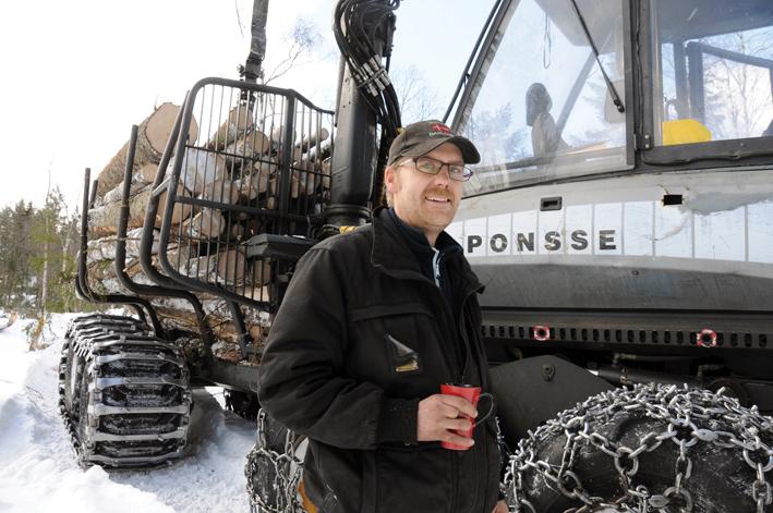 DAGLIG LEDER: Per Erik Stoveland skal stå for den daglige driften av det nye skogselskapet. Med seg får han lærlingen Klemmet Fidje, mens Vidar Flaa i Birkeland Grunn og Betong A/S blir styreleder. (ARKIVFOTO)