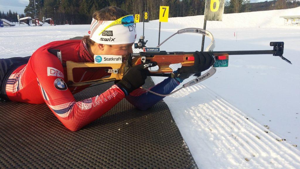 NYTTÅRSTRENING: Lars Helge benyttet jule- og nyttårshelga til blant annet å terpe skyteteknikk. Her er han i aksjon på Birkebeineren skistadion på Lillehammer første nyttårsdag. (FOTO: FANNY WELLE-STRAND HORN)