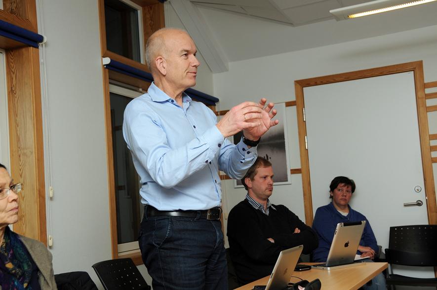 ØKONOMISJEF: Tom Olstad forklarer hvordan et prognostisert underskudd på 5,5 millioner har endt opp som et nullregnskap.