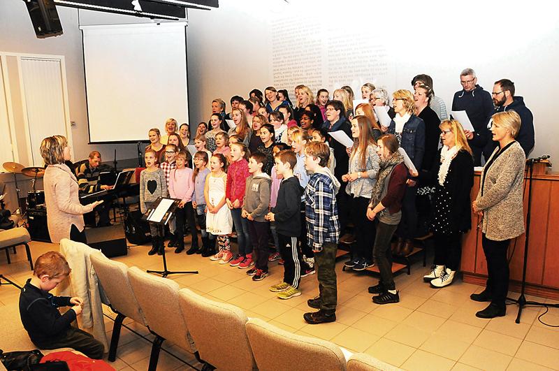 STORKOR: Rundt regnet 70 sanger og musikere er med på påskemusikalen som vises i Birkenes kirke lørdag kveld klokka 18.