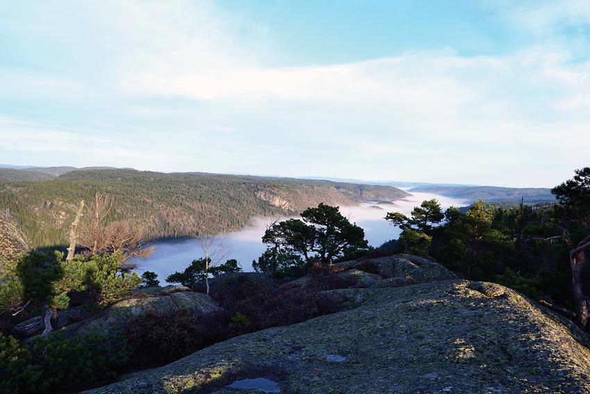 FLOTT UTSIKT: Bildet er tatt fra Hengeknuten, på vei til Rislåknuten, en novemberdag i 2011. (FOTO: KULTURKONTORET)
