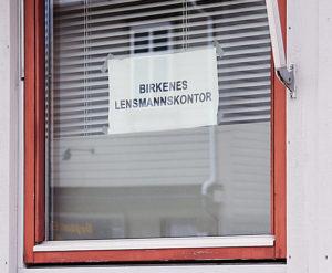 NOTIS MED BILDE Sommerstengt lensmannskontor NETT