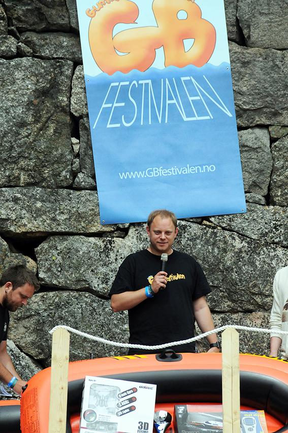 LOVER NY FESTIVAL: Per Arne «Pabben» Botn går langt i å love at det blir gummibåtfestival på Birkeland i 2016 også, og da skal den bli enda bedre enn i år.