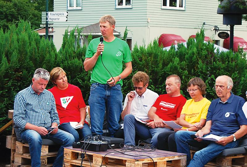 Lokalpolitikerne under Birkelandsdagene: F.v.: Ole Morten Vegusdal (V), Iren Sommerset (SV), Alfred Kylland (SP), Odd Gunnar TVeit (FrP), Anders Christiansen (AP), Anne KAri Birkeland (KrF) og Gunnar Høygilt (H).