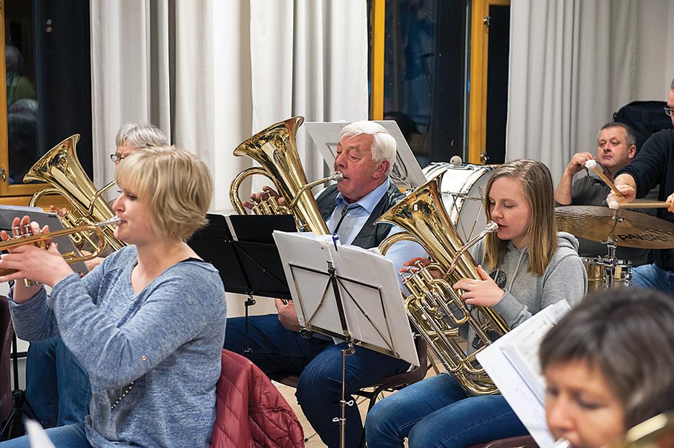 FEST: Hornmusikkens Øystein Aanesland lover en festaften når korpset i januar spiller opp til wienermusikk.