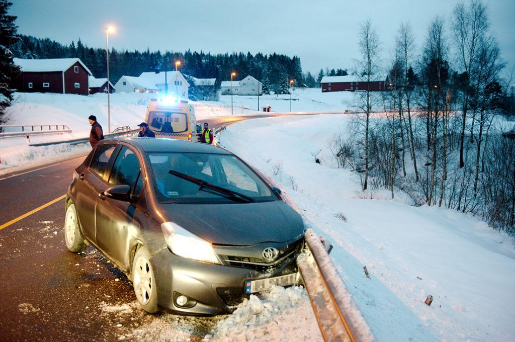 UHELL: Bilføreren fikk ifølge politiet og kjørte i autovernet på riksvei 41 på Østre Mollestad.