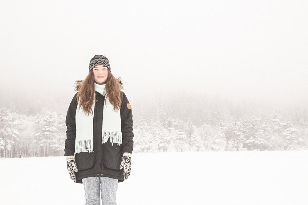 NY LÅT. «Follow the river» er navnet på den nye singelen til Thea Stapnes. – Jeg føler denne låta representerer meg på en god måte, sier hun. FOTO: Lars-Ingar Bragvin Andresen