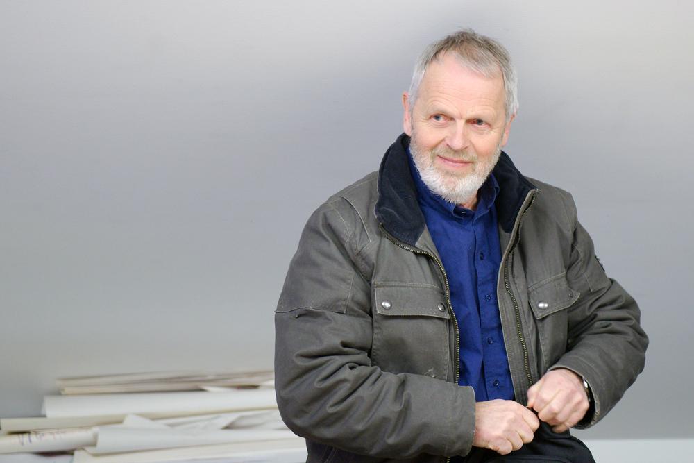 SKEPTISK: Ivar Aanesland (H) vil gjerne avvente med å bestemme framtida til Tobias jorde. Han vil vente å se utfallet av kommunereformen.