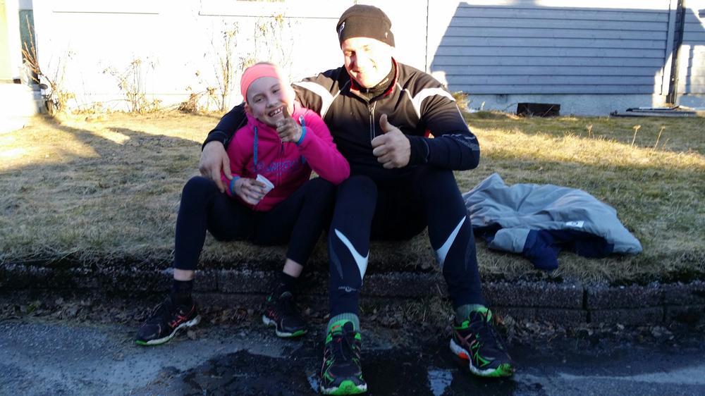 DEBUTERTE: Eline Heia debuterte i det klassiske Espe-løpet, sammen med pappa Pål Åge Heia. FOTO: Bjørn Vidar Lie