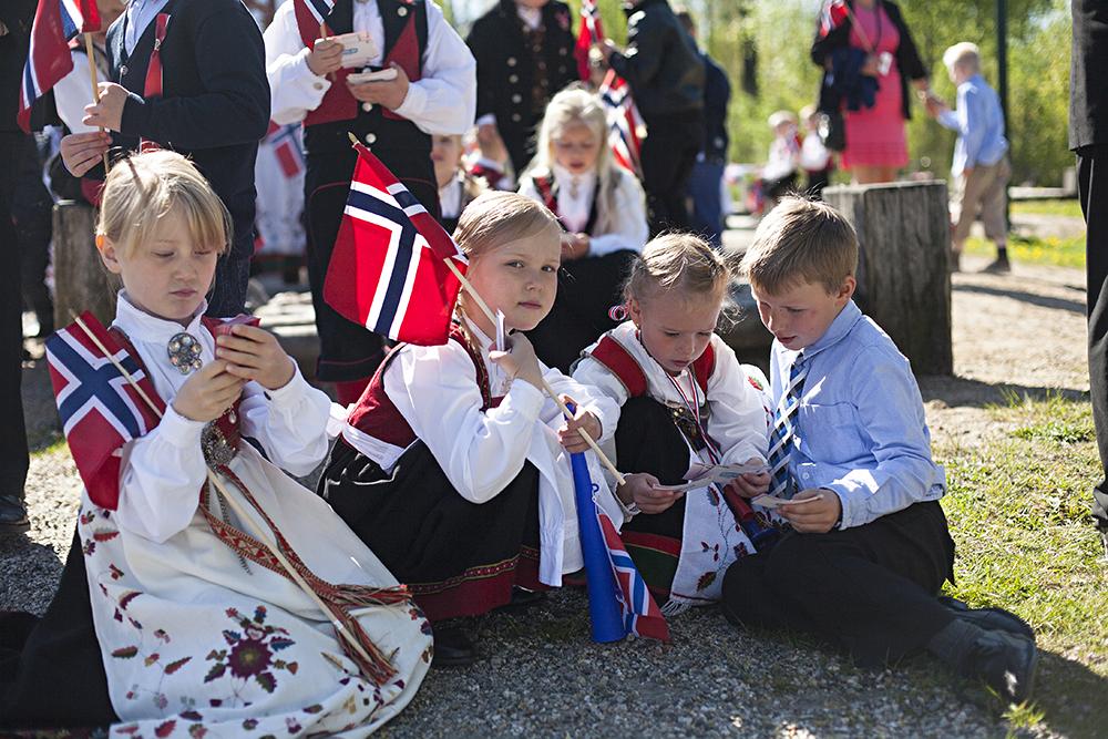 17mai-Birkeland021russekortNETT
