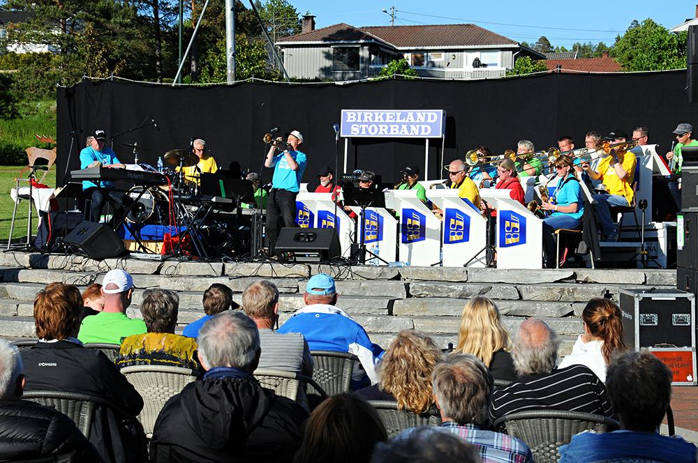 SOMMERSTEMNING: Birkeland Storband arrangeres sin årlige konsert på Tobias' Jorde onsdag. ARKIVFOTO