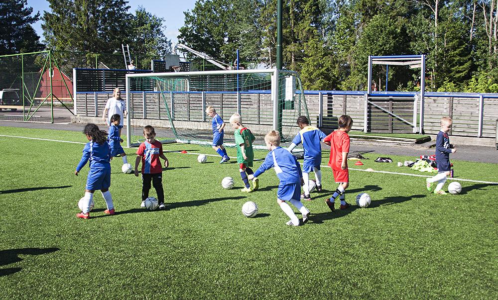 fotballskole001de yngsteNETT