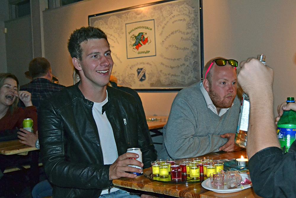 Kjetil Johanson og Anders Bjærum fornøyd med festen.