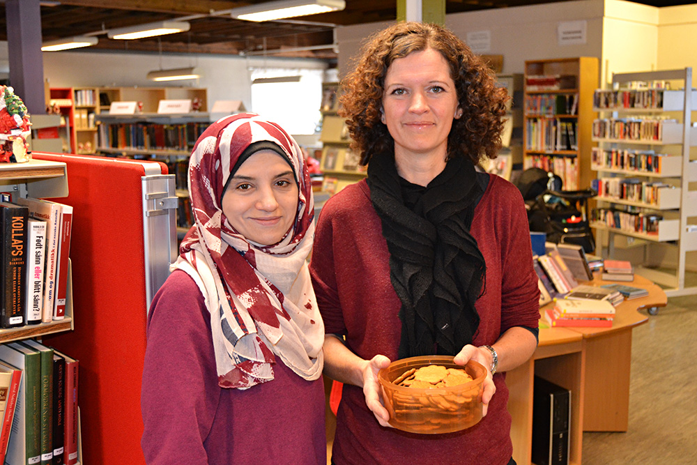 – Jeg har allerede fått julegaven, sier Sana Almaid. Her sammen med Arnhild Brakestad